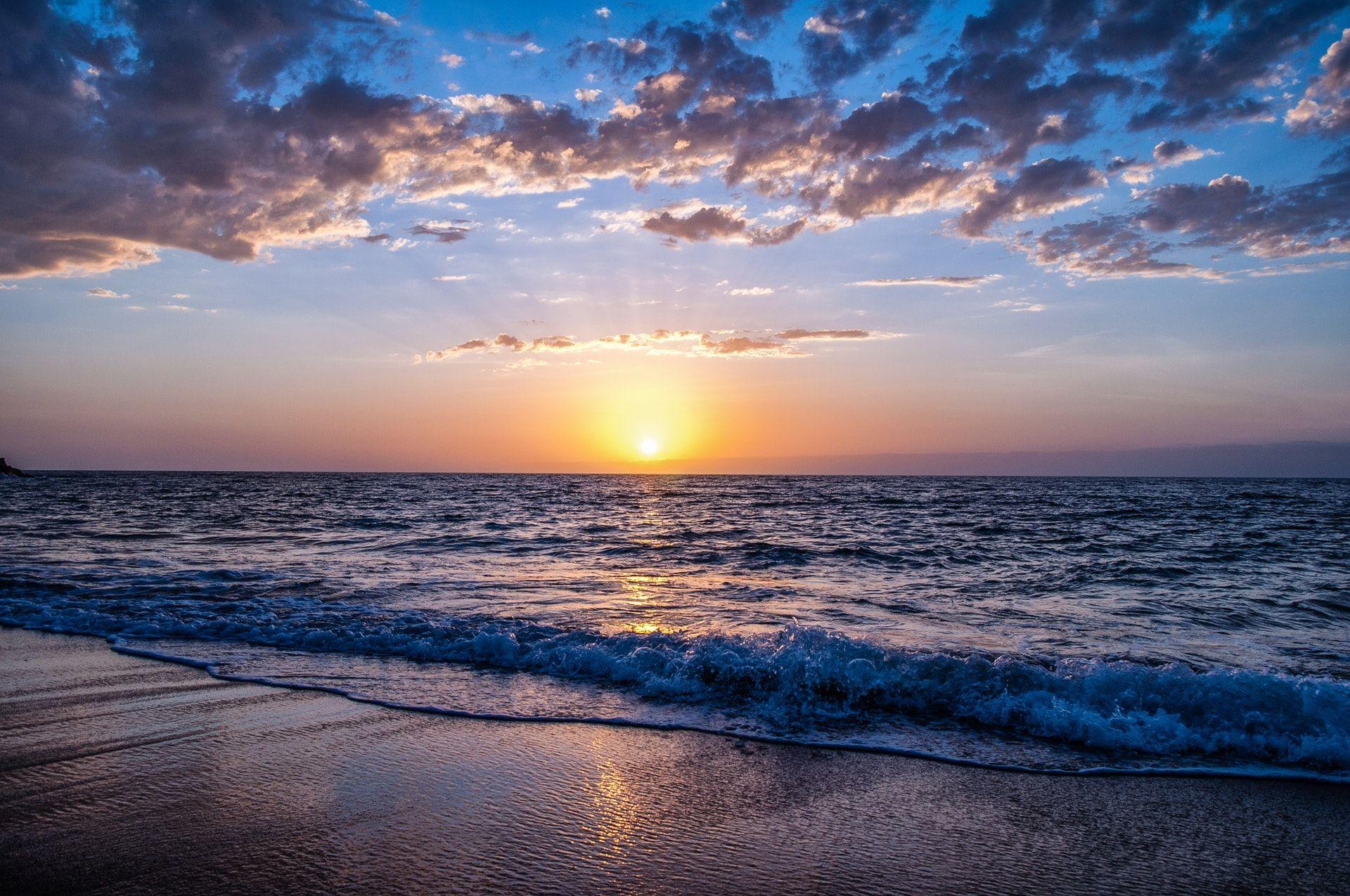 عکس زمینه ساحل در غروب HDR پس زمینه