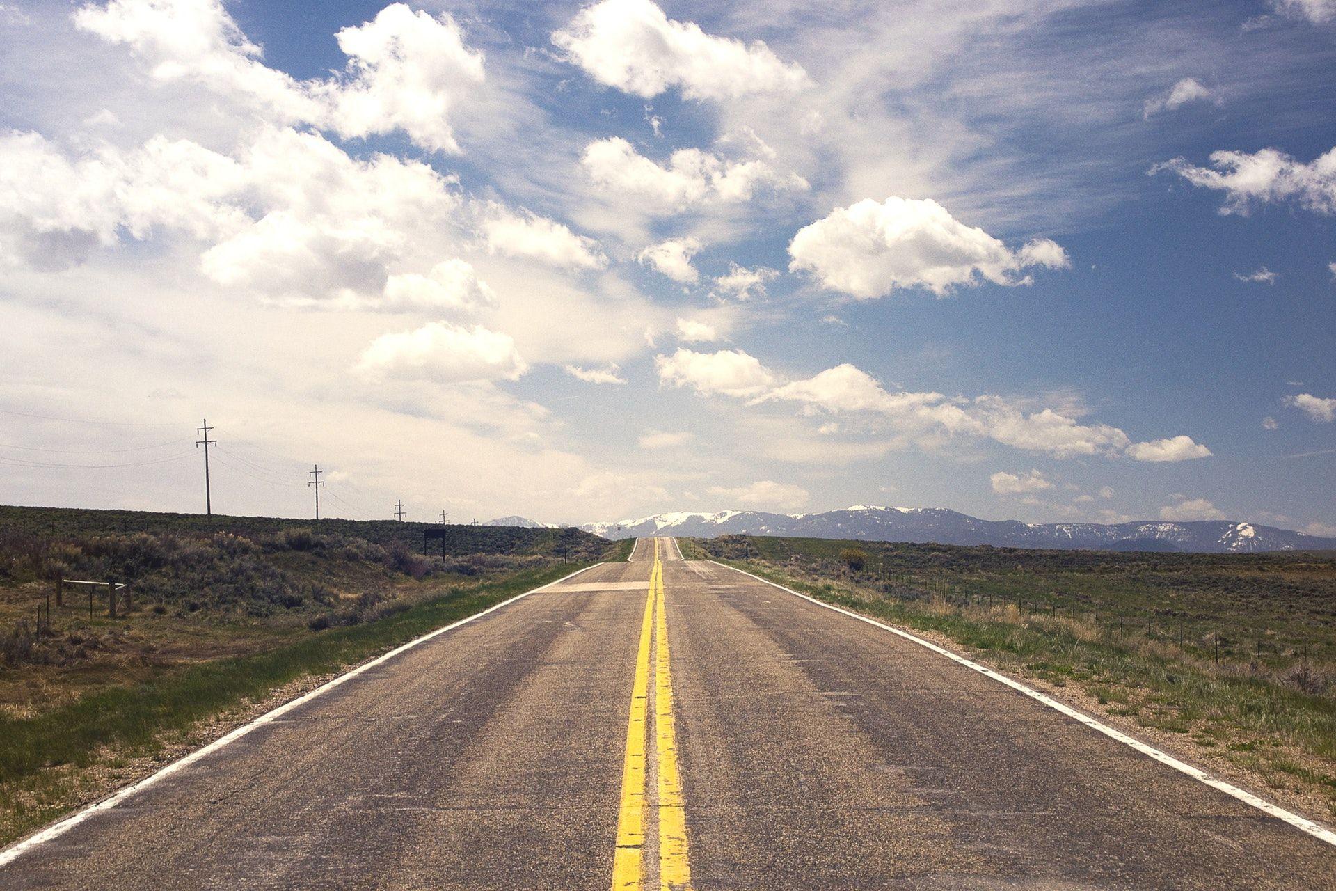عکس زمینه آسفالت خاکستری جاده پس زمینه
