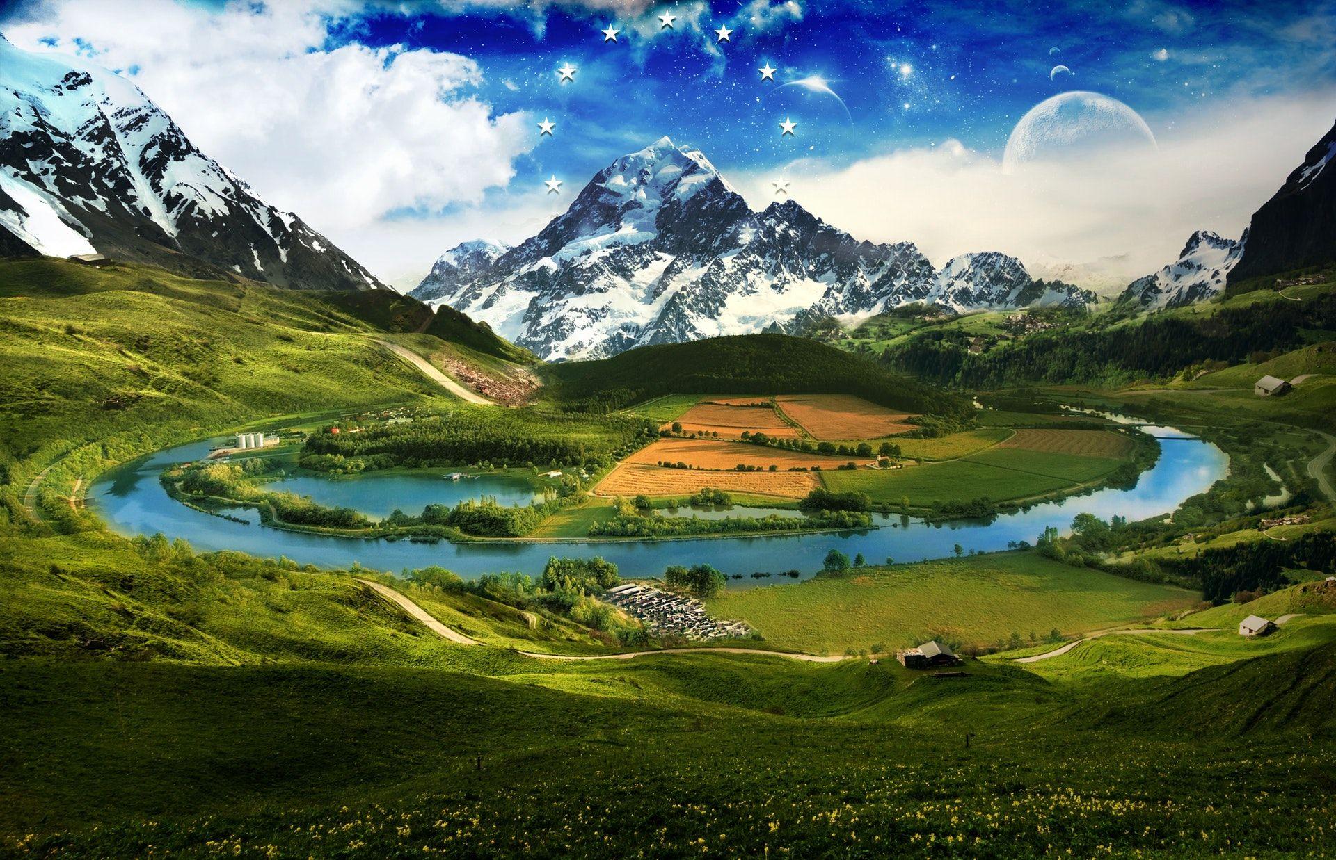 عکس زمینه میدان سبز در طبیعت پس زمینه