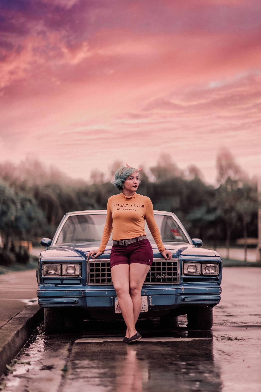 عکس زمینه دخترونه و ماشین پس زمینه