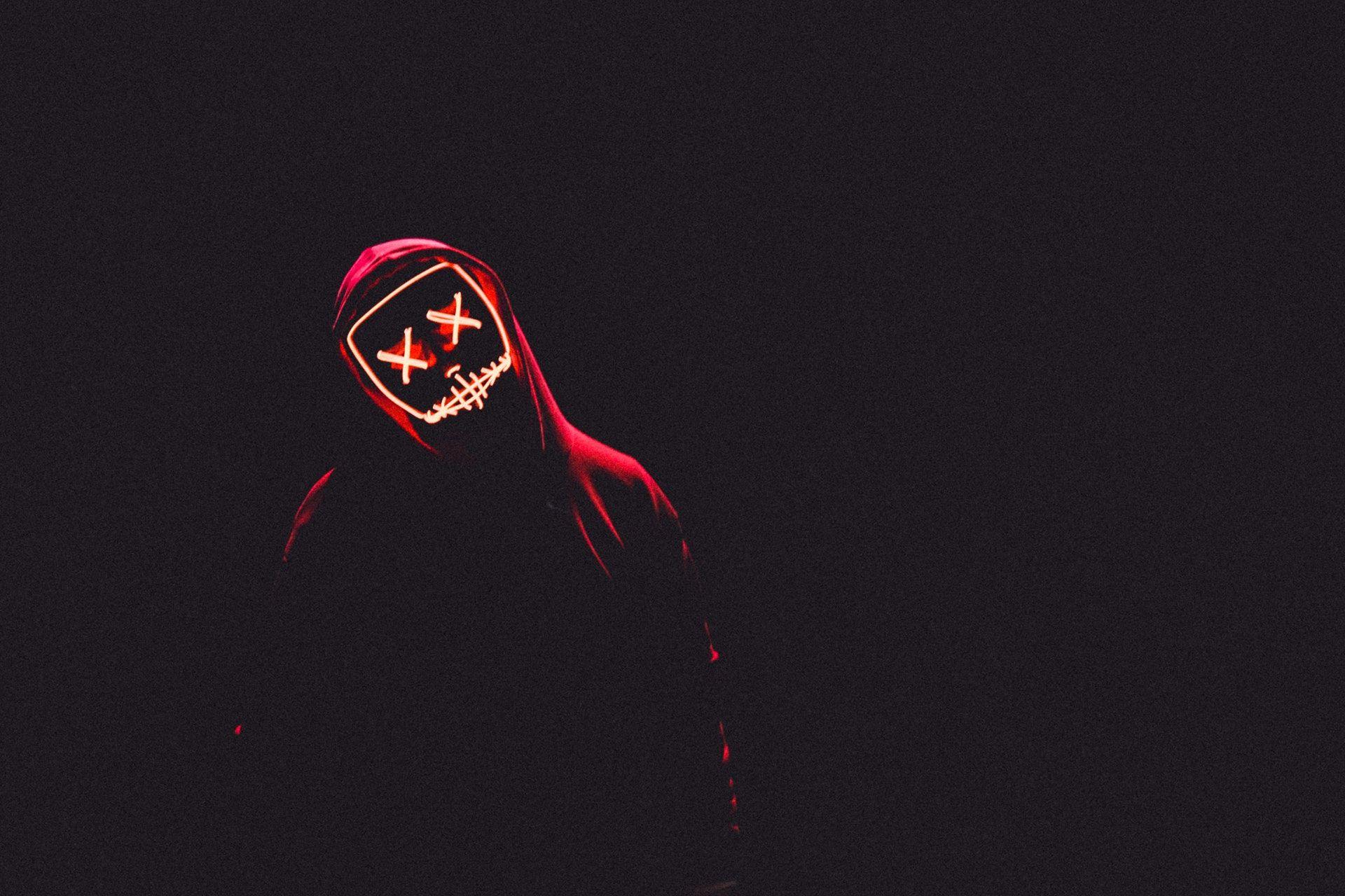 عکس زمینه ماسک نوری و پیراهن قرمز پس زمینه