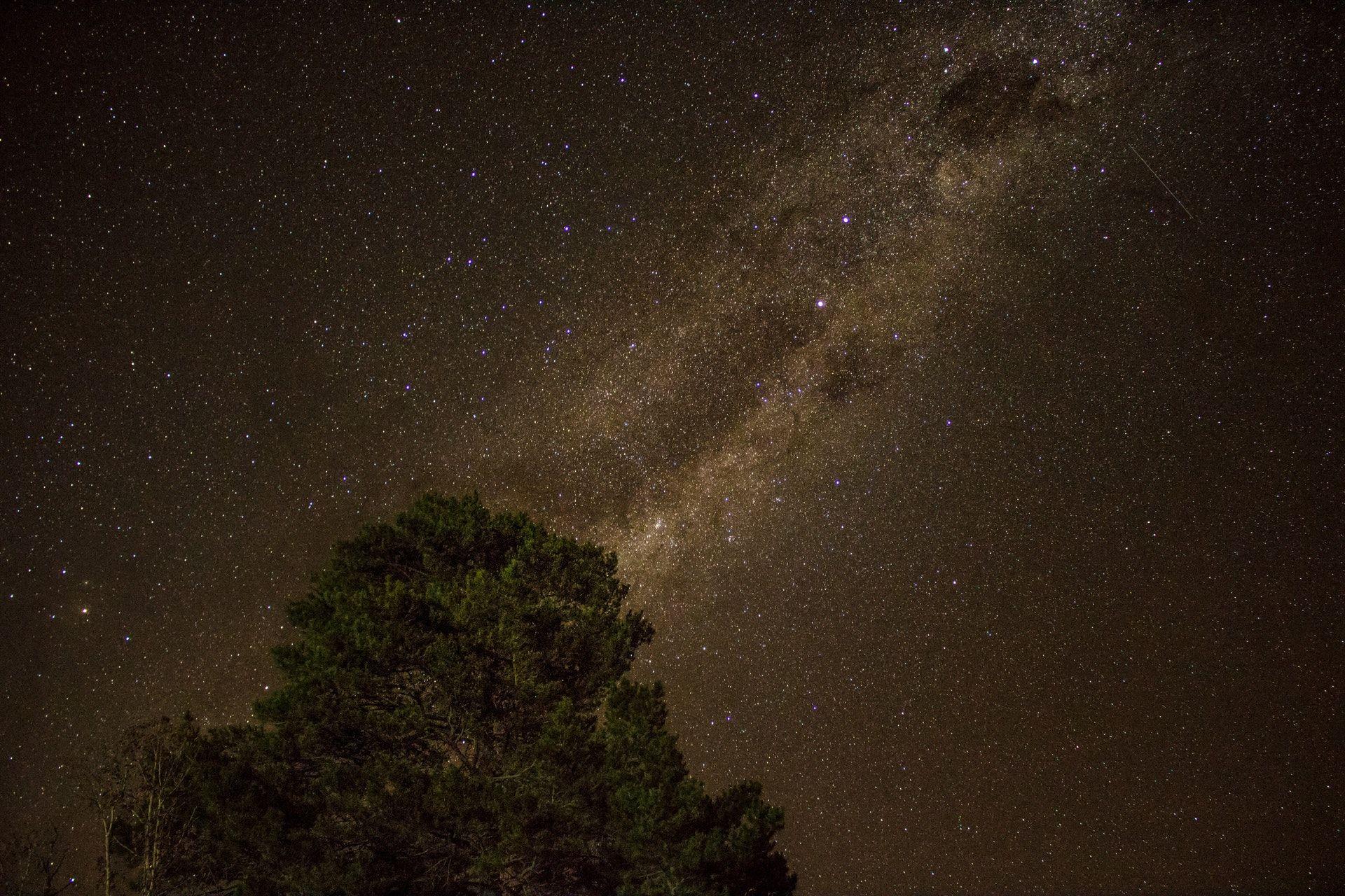 عکس زمینه آسمان زیبای شب پس زمینه