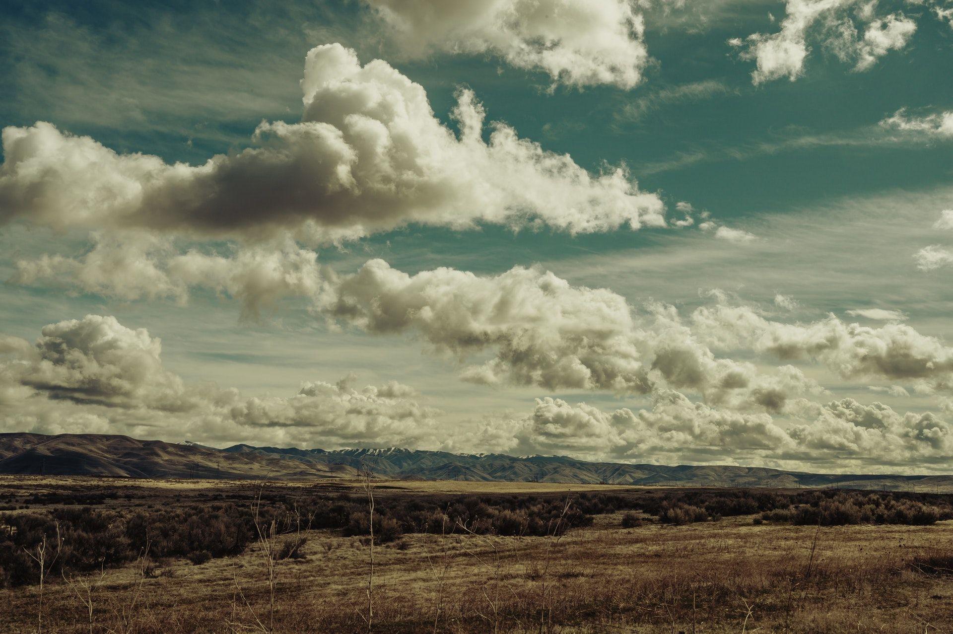 عکس زمینه آسمان ابری زیبا پس زمینه