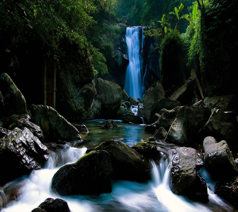 عکس زمینه طبیعت آبشار HD پس زمینه