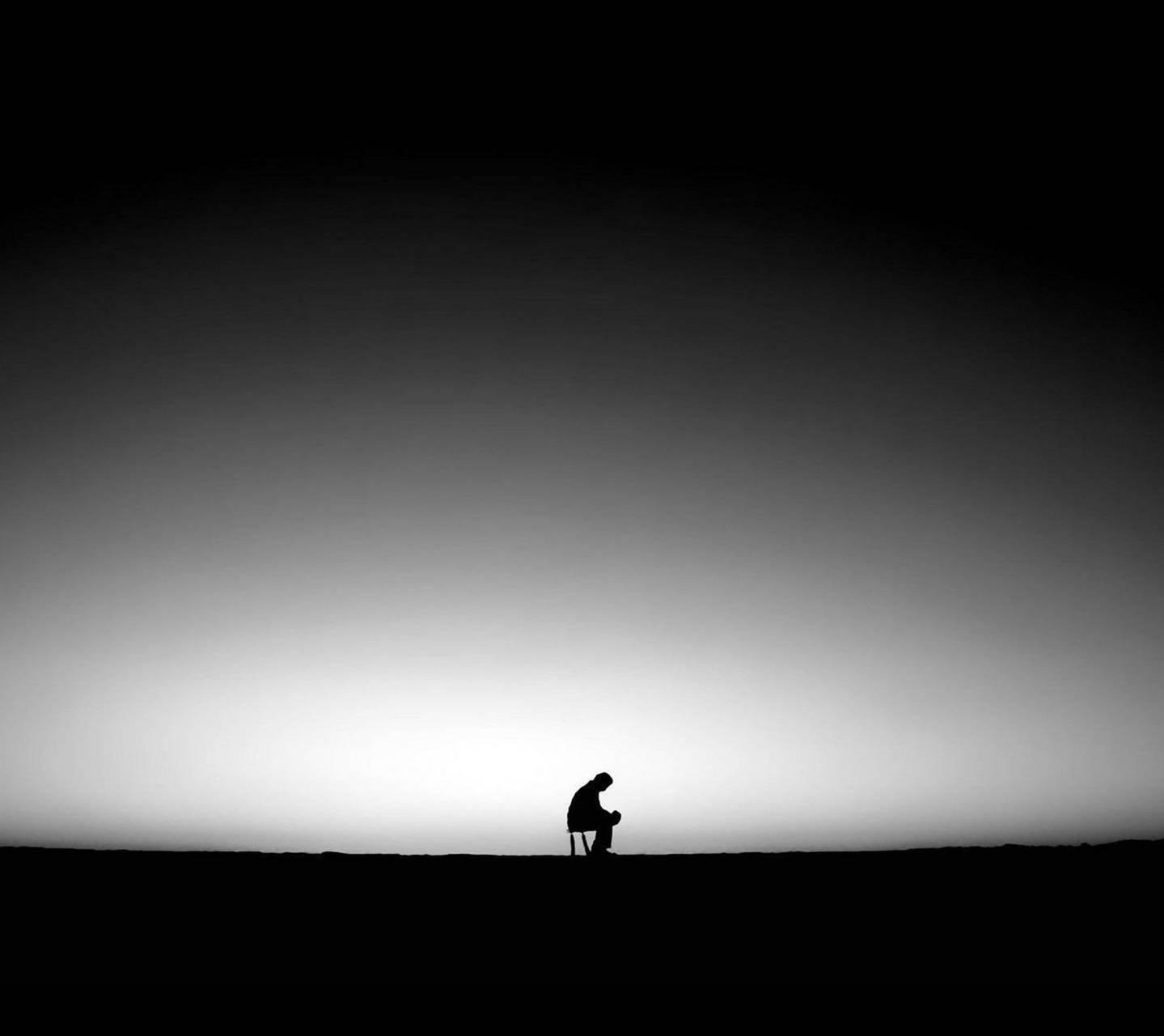 عکس زمینه مرد غمگین و تنها پس زمینه