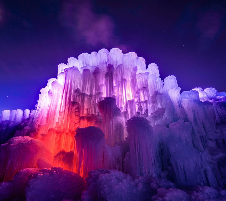 عکس زمینه کوه یخ رنگی پس زمینه
