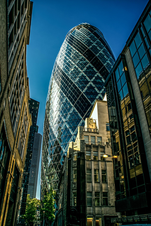 عکس زمینه ساختمان شیشه ای لندن پس زمینه