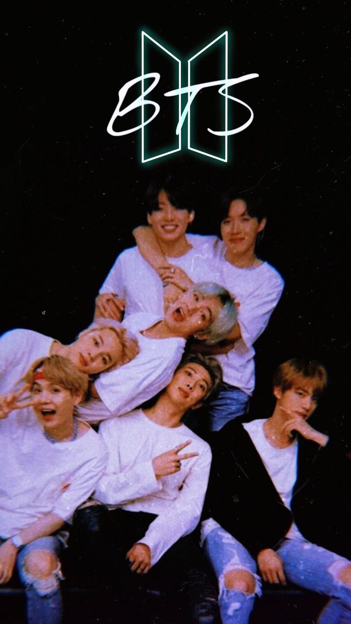 عکس زمینه گروه BTS معروف پس زمینه