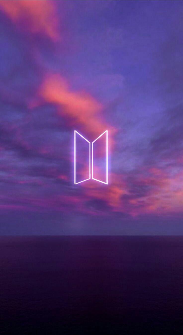 عکس زمینه لوگو گروه BTS بنفش پس زمینه