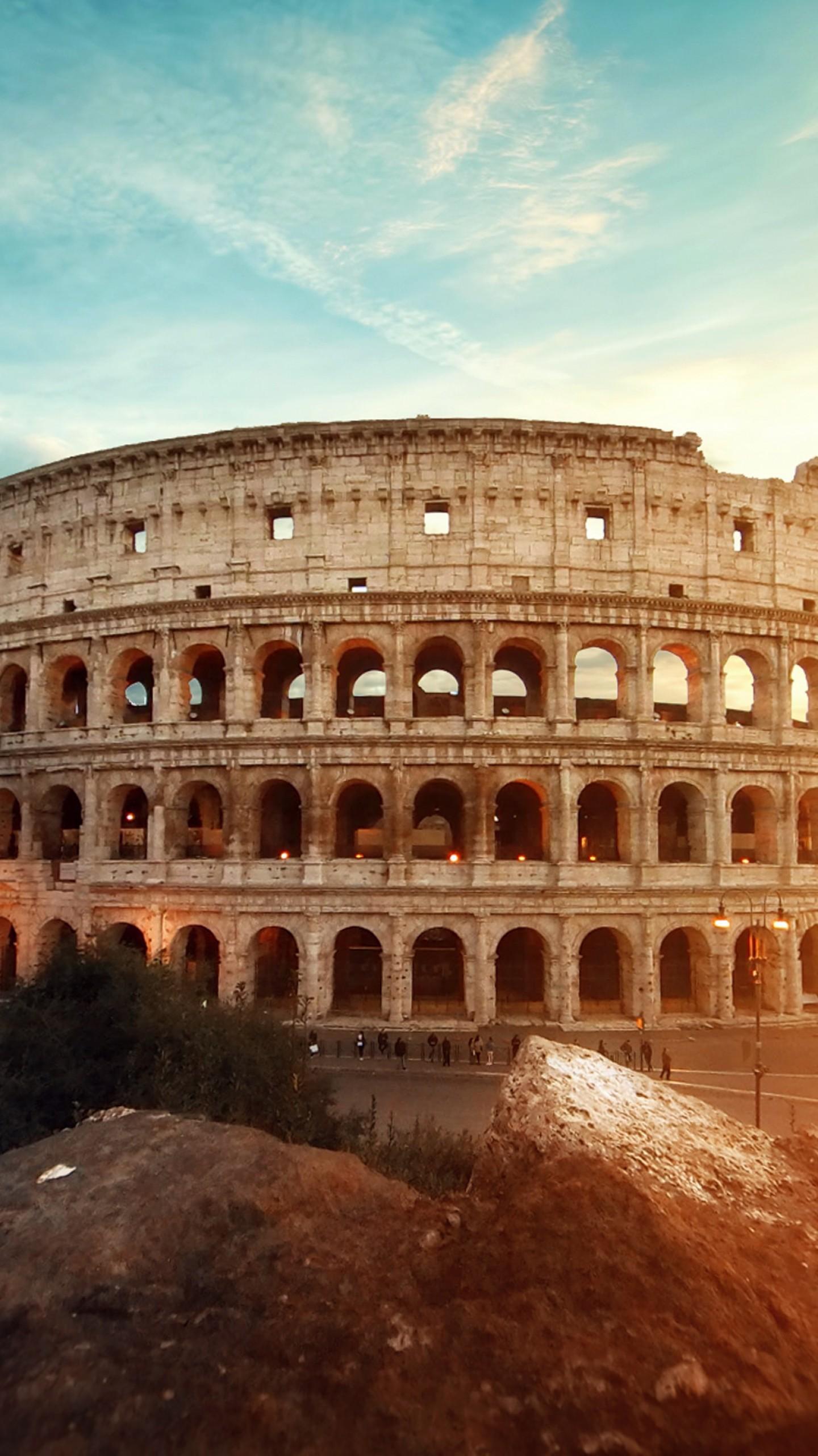 عکس زمینه معماری باستانی کولوسئوم رم ایتالیا پس زمینه