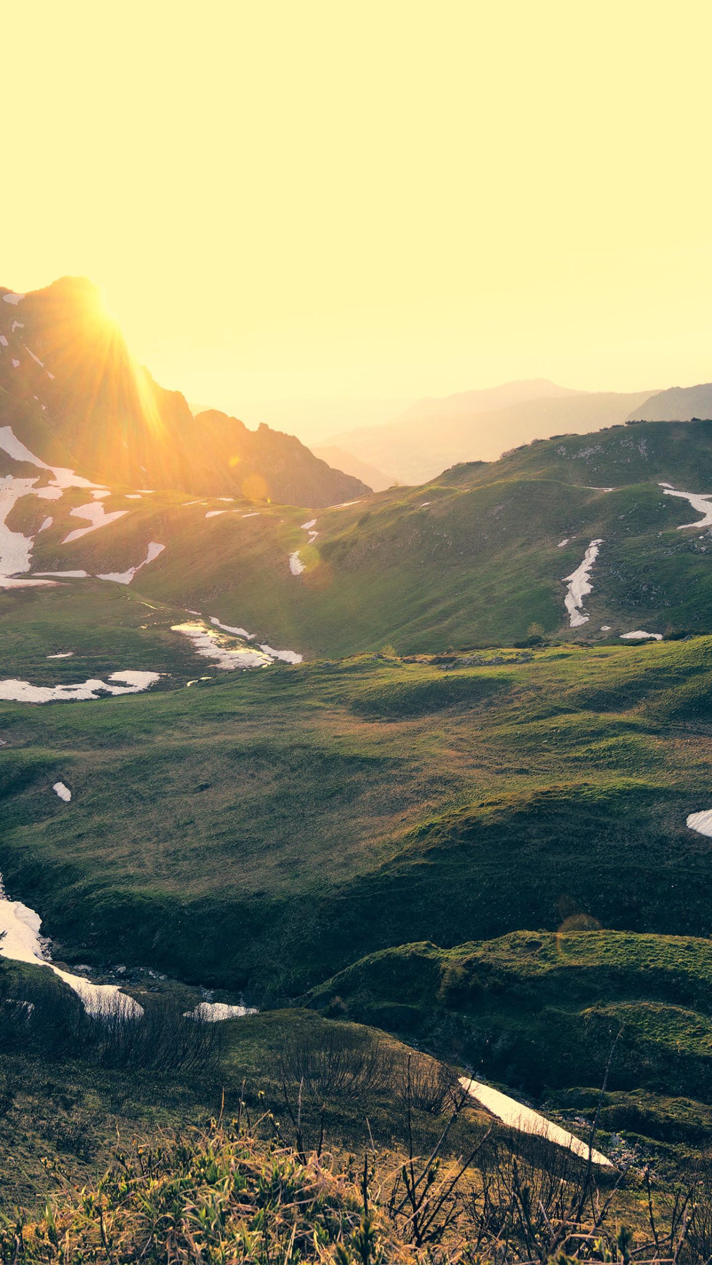 عکس زمینه غروب در کوه های آلپ آلمان 4K طبیعت پس زمینه