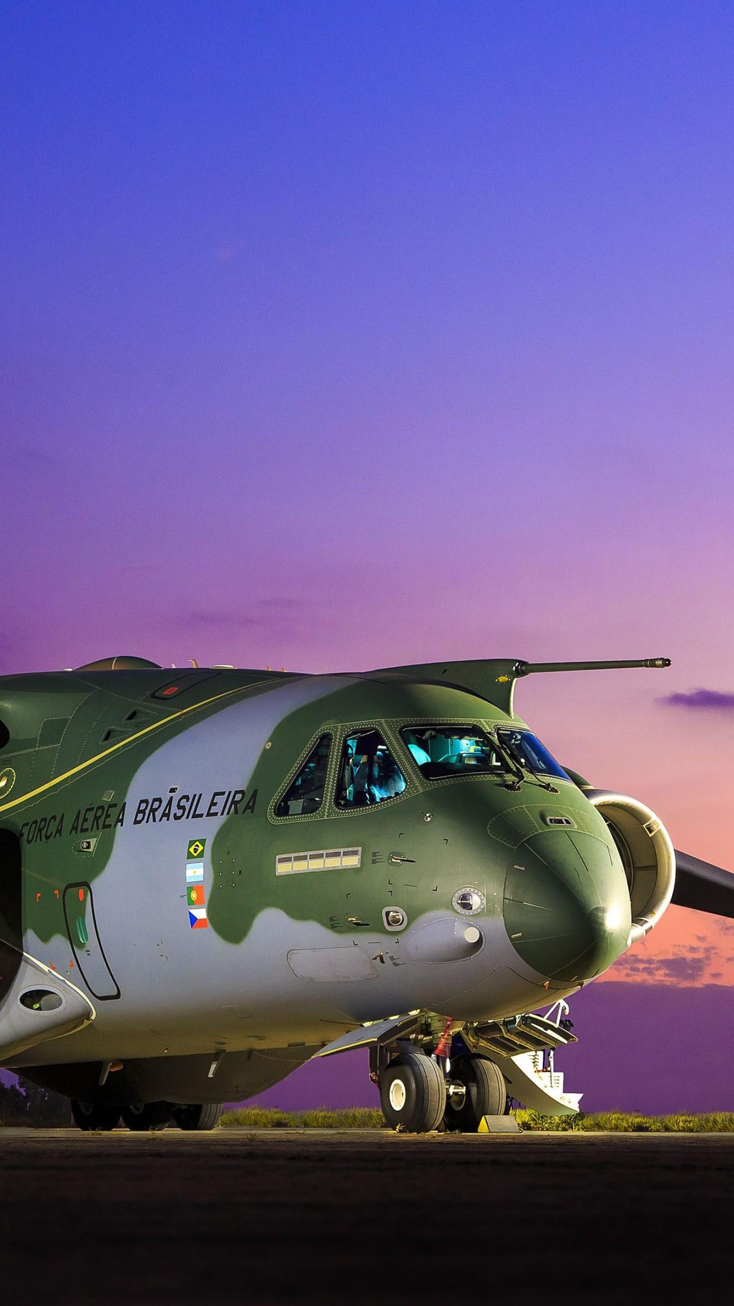 عکس زمینه هواپیمای حمل و نقل نظامی پس زمینه