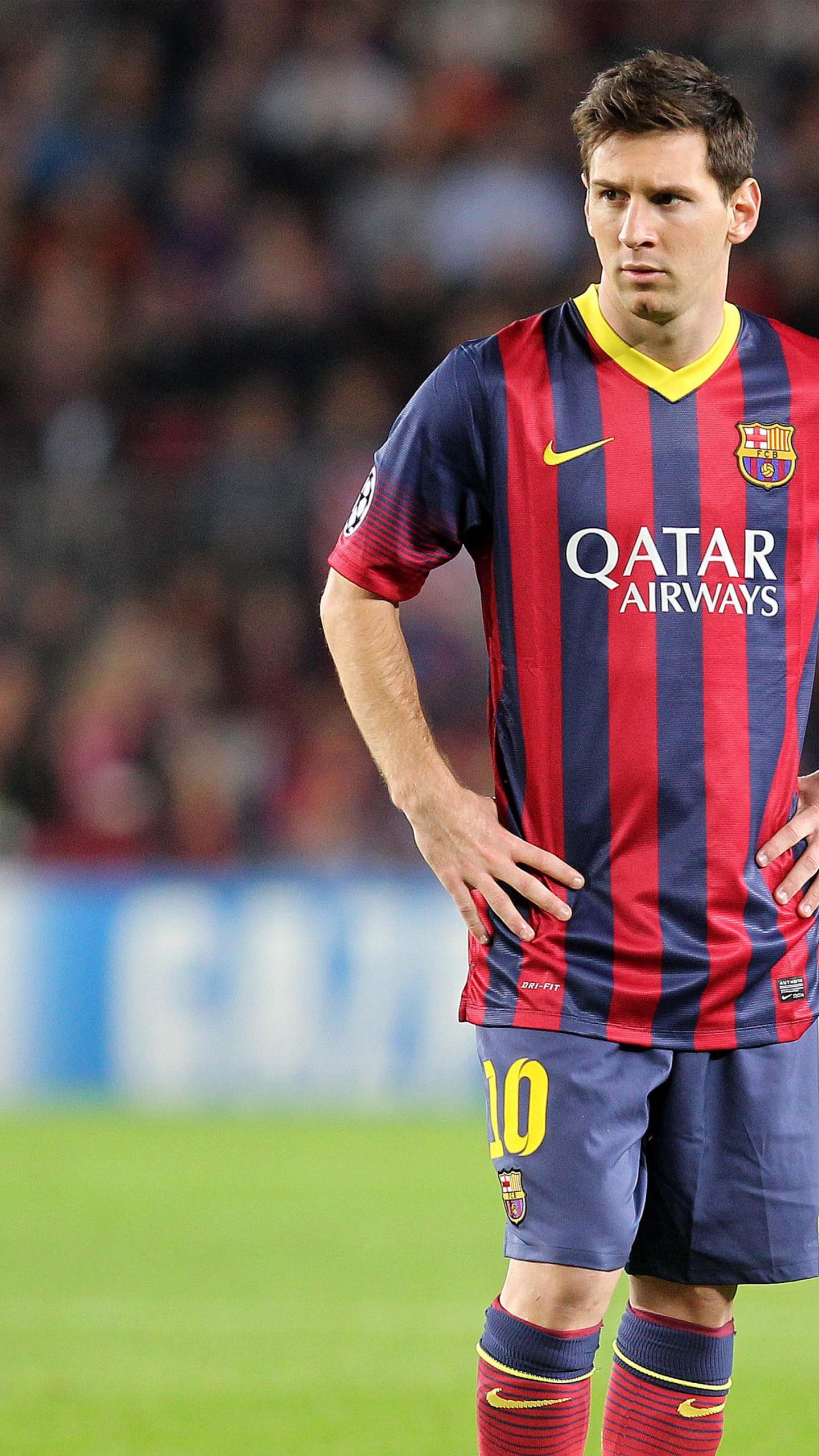 عکس زمینه لیونل مسی با تیم بارسلونا پس زمینه