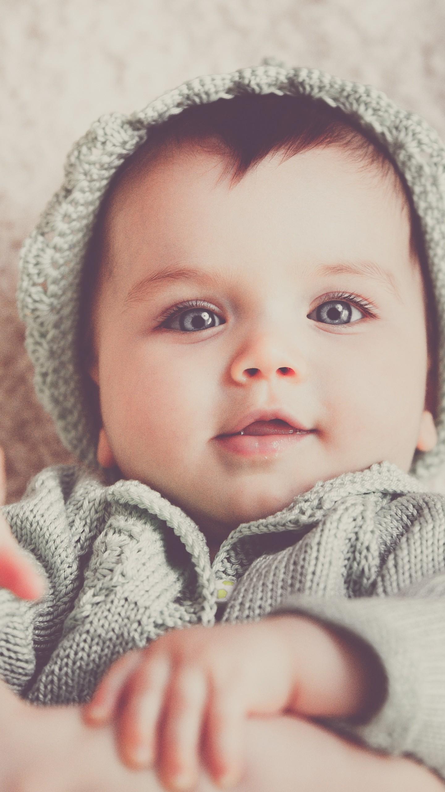 عکس زمینه پسر بچه نازخنده رو پس زمینه