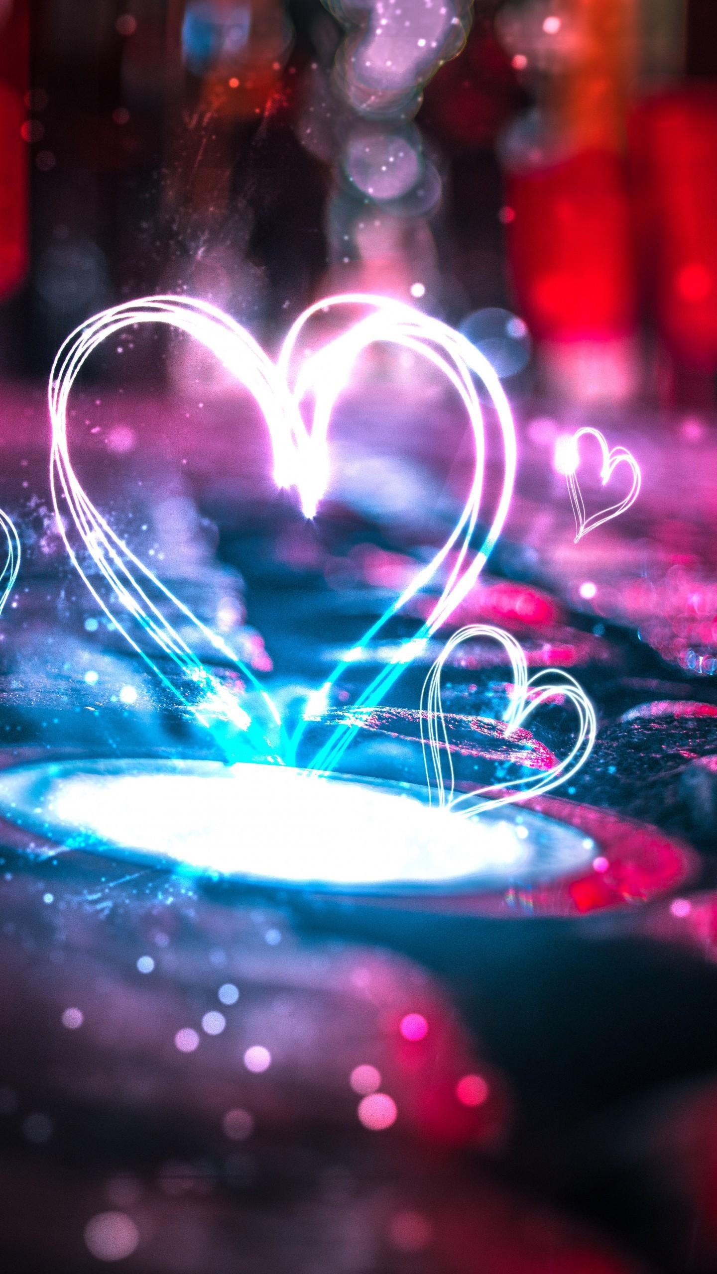 عکس زمینه قلب های عاشق با چراغ های نئون پس زمینه