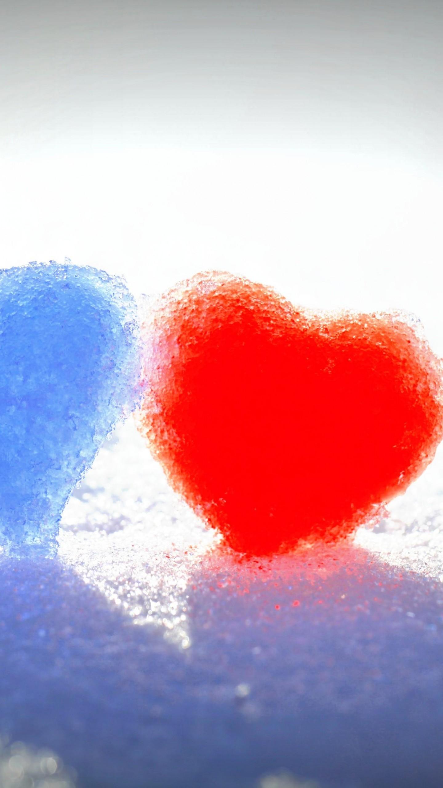 عکس زمینه عشق و قلب های منجمد برفی قرمز و آبی پس زمینه