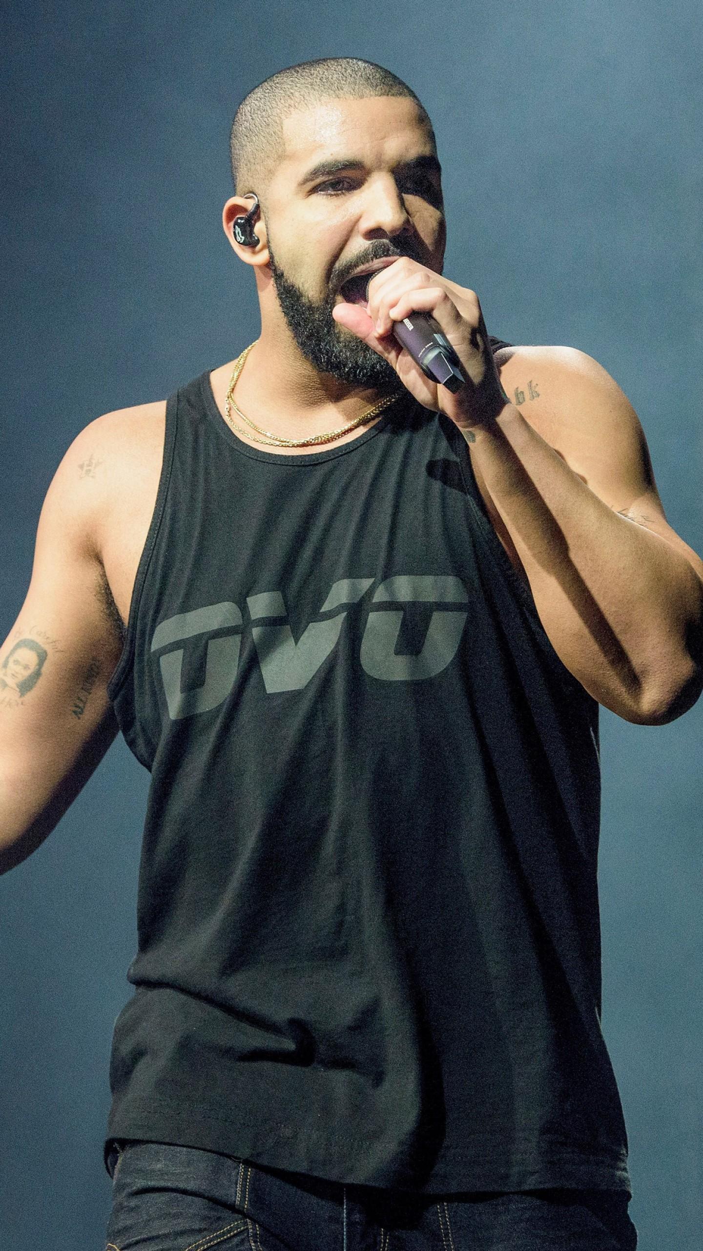 عکس زمینه دریک خواننده رپ کانادایی پس زمینه