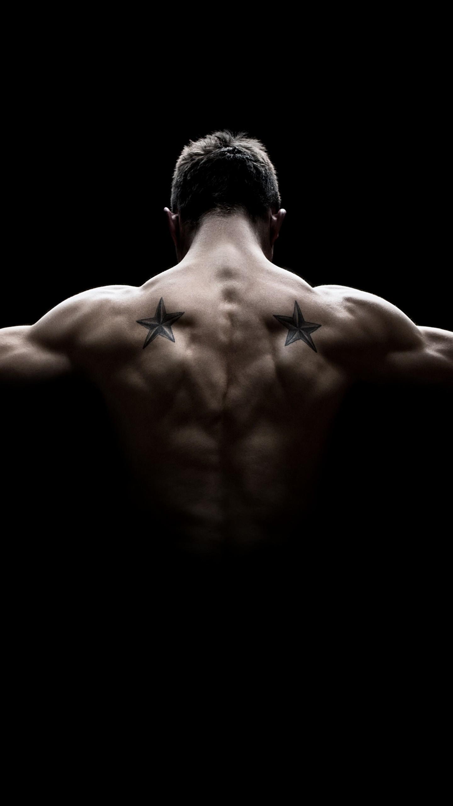 عکس زمینه ورزشی عضلات بدنسازی شده قوی پس زمینه