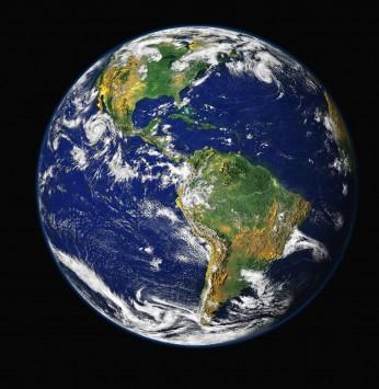 عکس زمینه کره زمین از بالا