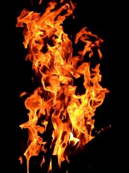 عکس زمینه آتش سوزان