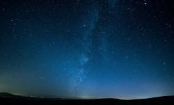 عکس زمینه آسمان کویر در شب