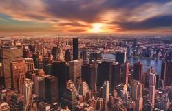 عکس زمینه منظره شهری با آسمان ابری