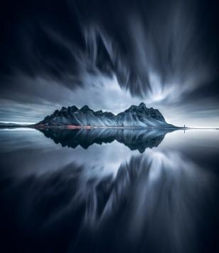 عکس زمینه کوه یخ در بدن از آب