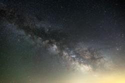 عکس زمینه کهکشان راه شیری در آسمان شب
