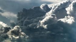 عکس زمینه ابرهای خاکستری سفید