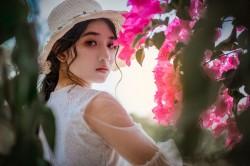 عکس زمینه دختر کلاه به سر