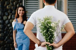 عکس زمینه تقدیم گل عاشقانه