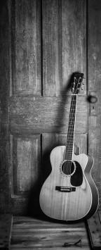 عکس زمینه گیتار آکوستیک سیاه سفید
