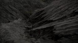 عکس زمینه کوه خاکستری تیره