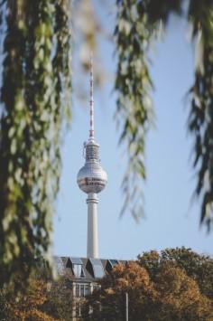 عکس زمینه برج تلویزیون آلمان