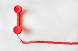 عکس زمینه گوشی تلفن قدیمی قرمز