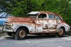 عکس زمینه ماشین کلاسیک فرسوده