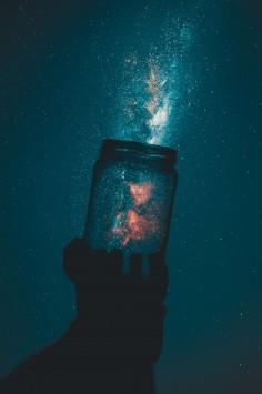عکس زمینه کهکشان و شیشه