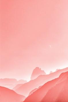 عکس زمینه کوه های صورتی