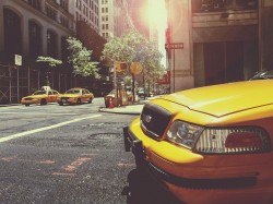 عکس زمینه تاکسی زرد