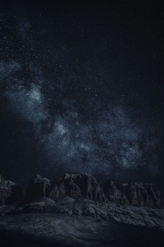 عکس زمینه نجومی از شب بیابان