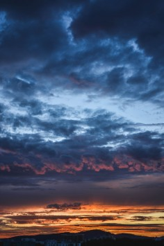 عکس زمینه ابرها در سحر HDR
