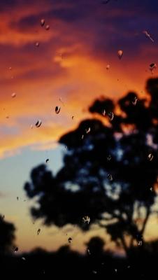عکس زمینه بارون محو پشت شیشه