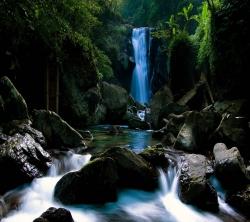 عکس زمینه طبیعت آبشار HD