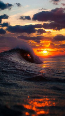 عکس زمینه غروب و امواج دریا