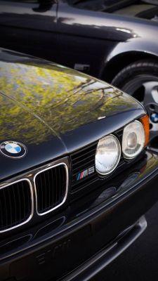 عکس زمینه BMW کلاسیک M5