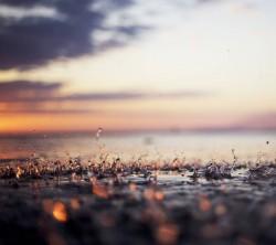 عکس زمینه قطرات باران