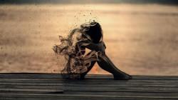 عکس زمینه زن غمگین هنری