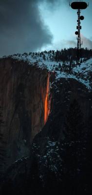 عکس زمینه آتش نشان در برف