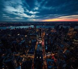 عکس زمینه نمای هوایی شهر نیویورک در شب