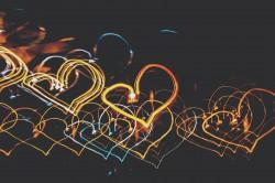 عکس زمینه نورپردازی شکل قلب